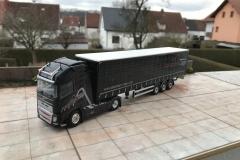 Dolomiten_Cargo_TRUCKMO_Volvo_Sattelzug_Tekno_herpa_Modellbau (43)