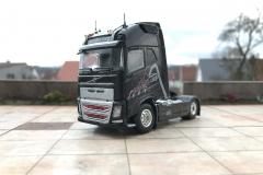 Dolomiten_Cargo_TRUCKMO_Volvo_Sattelzug_Tekno_herpa_Modellbau (29)