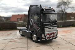 Dolomiten_Cargo_TRUCKMO_Volvo_Sattelzug_Tekno_herpa_Modellbau (33)