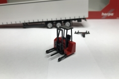 Truckmo_Modellbau_Modelle_Herpa_Mitnahmestapler_Heckstapler_Stapler_076784_Schmitz_Gardinenplanenauflieger13