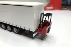 Truckmo_Modellbau_Modelle_Herpa_Mitnahmestapler_Heckstapler_Stapler_076784_Schmitz_Gardinenplanenauflieger26