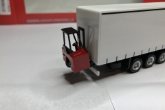 Truckmo_Modellbau_Modelle_Herpa_Mitnahmestapler_Heckstapler_Stapler_076784_Schmitz_Gardinenplanenauflieger28