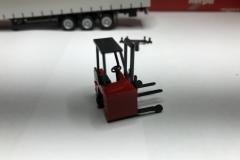 Truckmo_Modellbau_Modelle_Herpa_Mitnahmestapler_Heckstapler_Stapler_076784_Schmitz_Gardinenplanenauflieger15