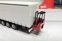 Truckmo_Modellbau_Modelle_Herpa_Mitnahmestapler_Heckstapler_Stapler_076784_Schmitz_Gardinenplanenauflieger27