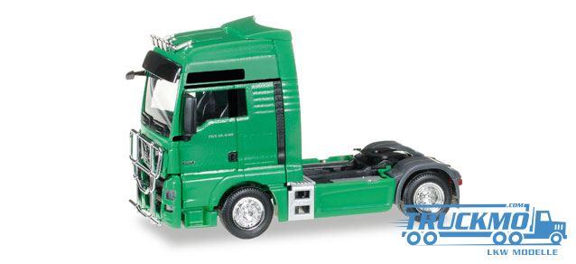 herpa_man_tgx_xxl_euro_6_zugmaschine_rammschutz_302029_005_lkw-modelle_truckmo57f76e46e4e93