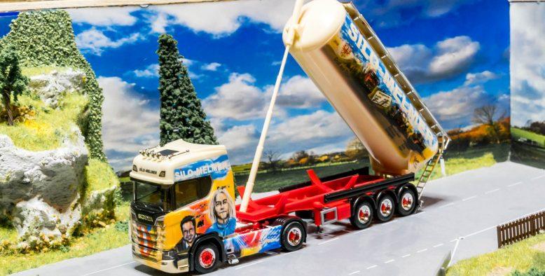 Herpa Silo Melmer – 70 Jahre Scania CS 20 HD Silo-Sattelzug
