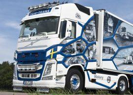 WSI Trio-Trans History Truck Volvo FH04 Globetrotter XL mit Kühlauflieger 01-1817